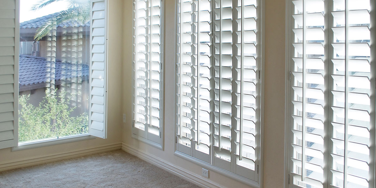 Plantation Shutters The Pros Cons Custom Blinds Shades By